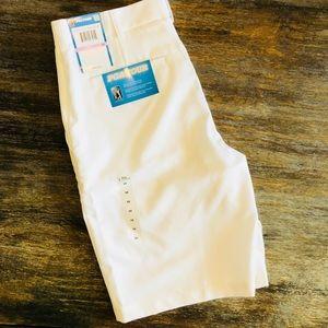 NEW White PGA Tour Moisture Wicking Golf Shorts 32